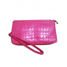 Лаковый клатч в розовом цвете